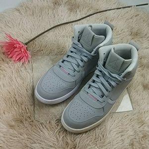 Nike Jordan Heritage Youth Sneakers SZ 6 Y
